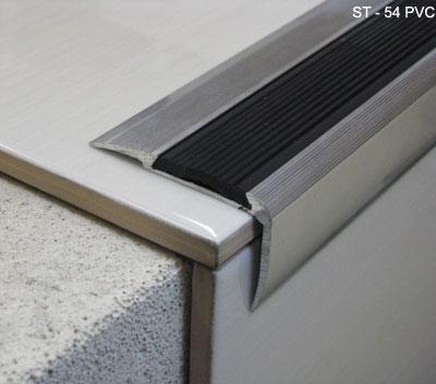 Nez de marche aluminium avec insertion vinyl antid rapante for Carrelage nez de marche