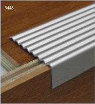 nez de marche escalier aluminium parquet stratifi. Black Bedroom Furniture Sets. Home Design Ideas